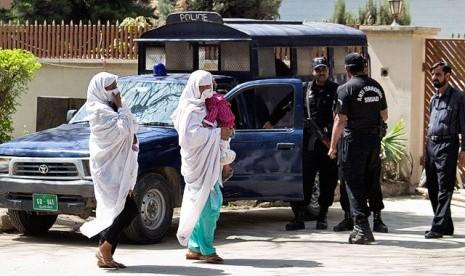 keluarga bin laden akan dideportasi ke arab saudi a+ reset a