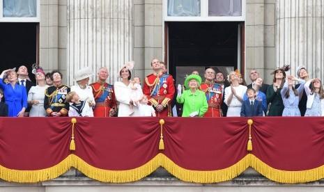 Tahukah Anda Nama Belakang Keluarga Kerajaan Inggris?