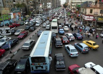 Kemacetan lalu lintas di jalanan kota Kairo, Mesir