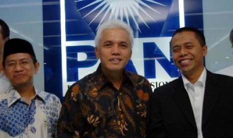Ketua Fraksi PAN Tjatur Sapto Edy, Ketua Umum PAN Hatta Rajasa dan Waketum PAN Drajad Wibowo