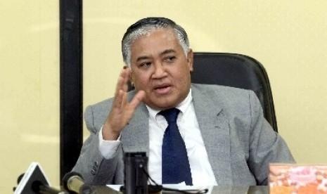 Ketua PP Muhammadiyah, Din Syamsuddin, memaparkan keterlibatan Muhammadiyah dalam proses persetujuan perdamaian Filipina dengan Front Pembebasan Islam (MILF) di Kantor Pusat Muhammadiyah, Jakarta, Selasa (9/10).
