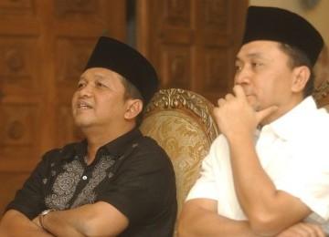 Ketua Umum KB PII Sutrisno Bachir (kiri)