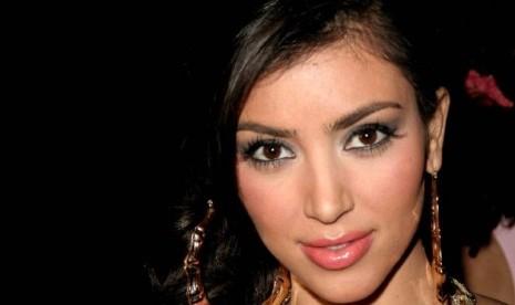 Dikecam karena mendukung Israel, sosialita Kim Kardashian menyewa ...