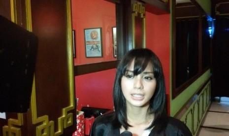 Medok Bahasa Jawa, Alasan Hanung Pilih Kirana Larasati   Republika