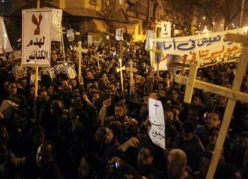 Kristen Koptik Mesir saat melakukan unjuk rasa