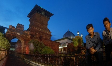Kudus Tower in Kudus, Central Java. Indonesia has other cities than Yogyakarta which are needed to be preserved, such as Lasem, Kudus, and Sawahlunto. (illustration)  