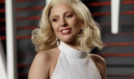Lady Gaga Kembali ke Dapur Rekaman