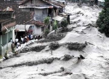 Lahar dingin Merapi lumpuhkan jalur Magelang-Yogyakarta