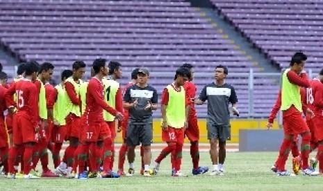 Latihan Timnas PSSI di Stadion Utama Gelora Bung Karno, Jakarta.