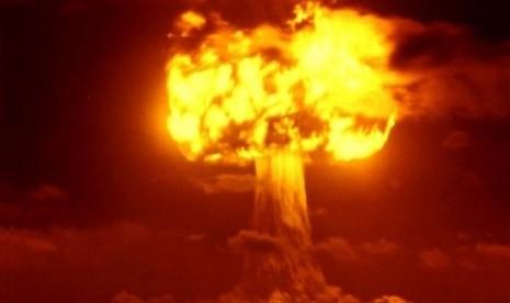 AS Pernah akan Serang Rusia-Cina dengan Bom Atom