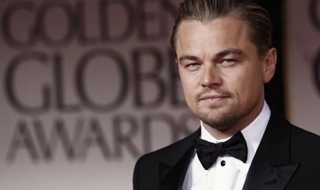 Leonardo DiCaprio saat menghadiri ajang Golden Globe Awards ke-69, Ahad (15/1/2012) di Los Angeles
