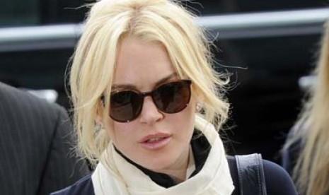 Lindsay Lohan Berharap Diperiksa Paramedis 'Imut'