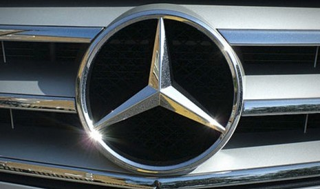 Logo Mercedes Benz. (Ilustrasi)