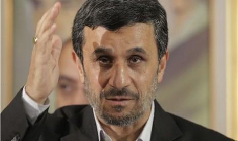 Ahmadinejad: Israel Harus Tunduk kepada Palestina