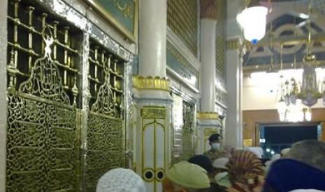 Makam Rasulullah di Masjid Nabawi - Madinah Al-Munawarah