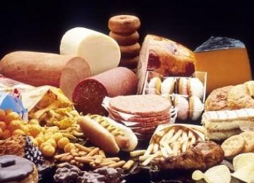 Makanan berlemak tinggi (Ilustrasi)