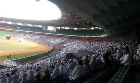 Manasik Umrah Akbar yang diselenggarakan First Travel diikuti 35 ribu