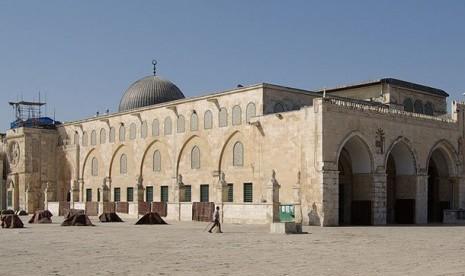Israel Cekal Ulama Masuk Masjid Al-Aqsa