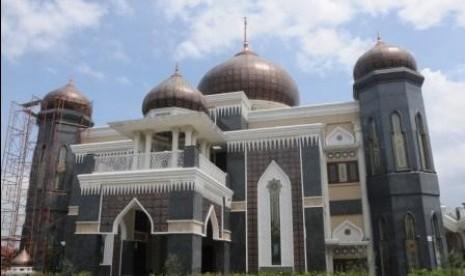 Masjid Harakatul Jannah, Pintu Surga di Pintu Tempat Wisata (2)