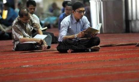 Wasekjen MUI: Pembaca Alquran dengan Langgam Mendayu akan Dilaknat