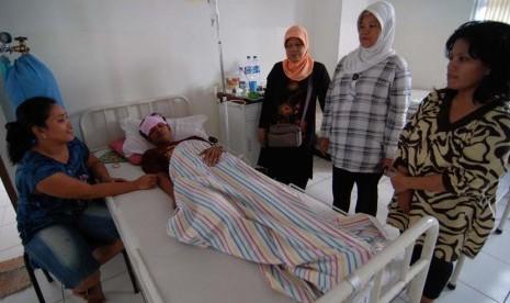 Jenguk Orang Sakit Bantu Sembuhkan Pasien | Republika Online