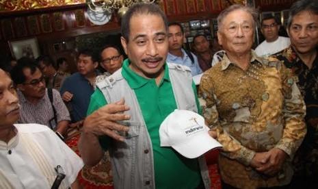Menteri Pariwisata Arief Yahya (baju hijau) saat melakukan kunjungan ke Taman Wisata Matahari, Puncak, Jawa Barat