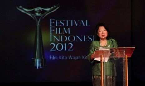 Menteri Pariwisata dan Ekonomi Kreatif, Mari Elka Pangestu, berbicara dalam malam pengumuman nominasi FFI 2012