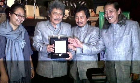 Menyambut datangnya bulan suci Ramadhan, Bimbo meluncurkan album baru berjudul 'Warisan', Rabu (4/7).