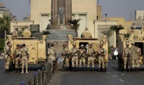 Hadapi Demonstran, Militer Mesir Tembakkan Peluru Tajam