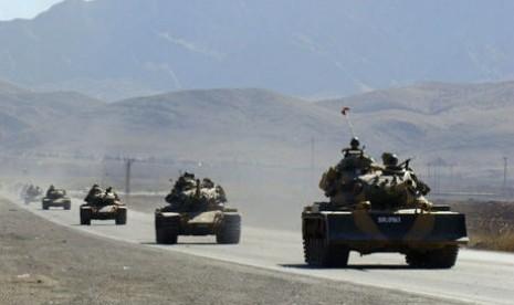 Turki Kerahkan 250 Tank dan 55 Jet di Perbatasan Suriah