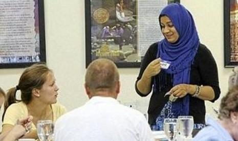 Muslim Amerika Serikat di Tusla, Oklahoma di bulan Ramadhan.