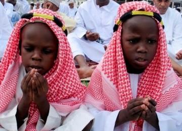 Muslim Kenya Lindungi Gereja dari Terorisme