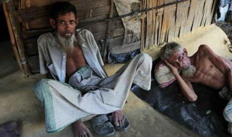 Muslim Rohingya di kamp pengungsian di Kutupalong, Bangladesh.