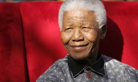 Nelson Mandela saat diabadikan pada tahun 2005.