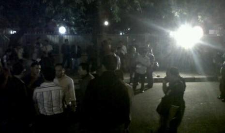 Olah TKP penembakan anggota polisi di depan Gedung KPK