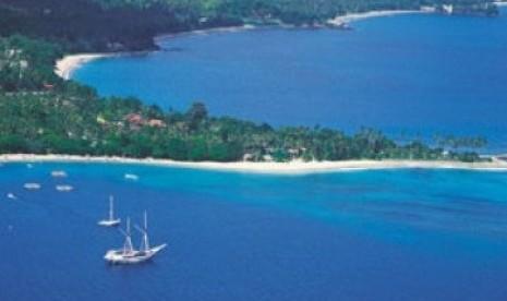 Pantai Senggigi, Lombok, salah satu andalan pariwisata NTB.