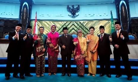 OJK Diminta Bentuk Komisi Syariah