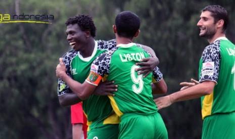 Para pemain Persebaya Divisi Utama.