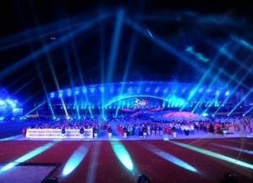 Parade atlet menutup SEA Games XXVI di Stadion Sriwijaya, Jakabaring ...