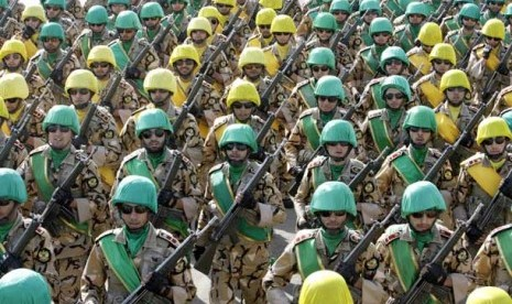 Konsolidasi Kekuatan, Iran Gelar Manuver Militer