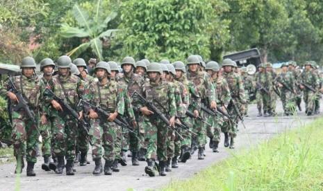 Pasukan TNI diterjunkan mengamankan situasi Papua
