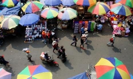 Puluhan PKL Gelar Unjuk Rasa di Balai Kota Solo