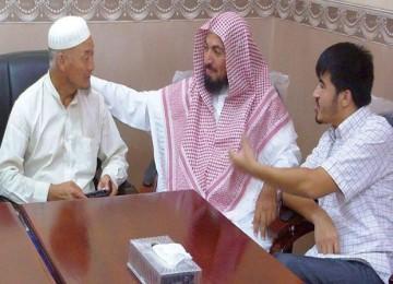 Pekerja rel kereta api asal Cina yang menjadi mualaf di Arab Saudi