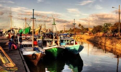 Pelabuhan Paotere, salah satu pelabuhan rakyat warisan tempo dulu yang masih bertahan dan merupakan bukti peninggalan Kerajaan Gowa-Tallo sejak abad ke-14.
