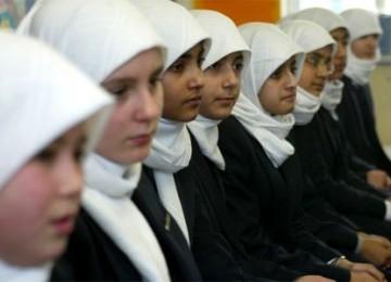 Pengadilan Belanda Sidangkan Kasus Pelarangan Jilbab