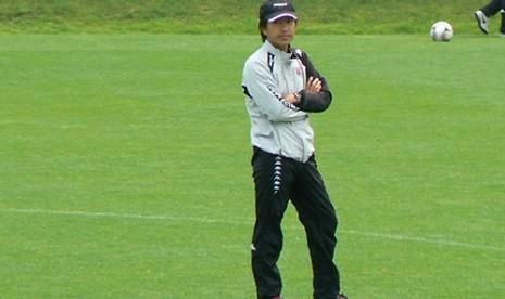 Pelatih Toshiya Miura