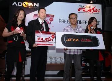 Peluncuran empat modem Advan Jetz di Jakarta, Selasa (14/6)