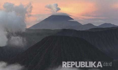 Libur Panjang, Pendaki Gunung Semeru Meningkat