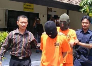Pengedar narkoba yang ditangkap aparat keamanan (ilustrasi)