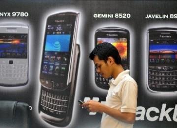Pengguna Blackberry (ilustrasi)
